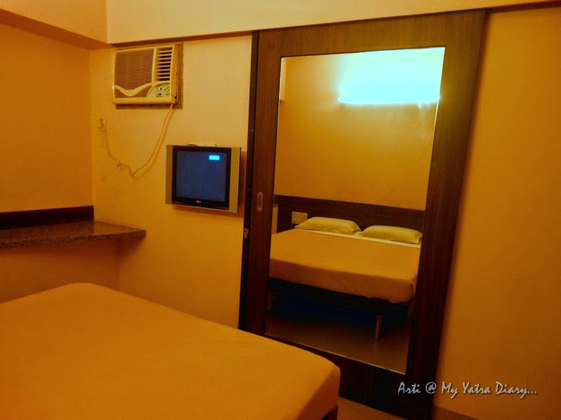 A view of the family room in Hotel Smart Inn budget hotel in Pune- Suite for 4
