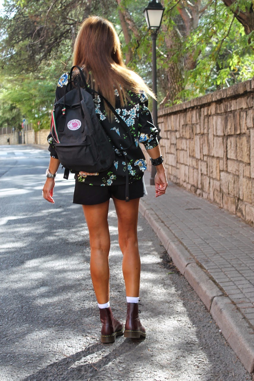 Carmen Hummer, Blog de Moda, Sudadera David Catalán, Anillo Sierpe y Becerril Joyeros, Dr. Marten, botas, shoes, Mochila Fjallraven, Look VFNO,  Cool , Street Style, Fashion Style