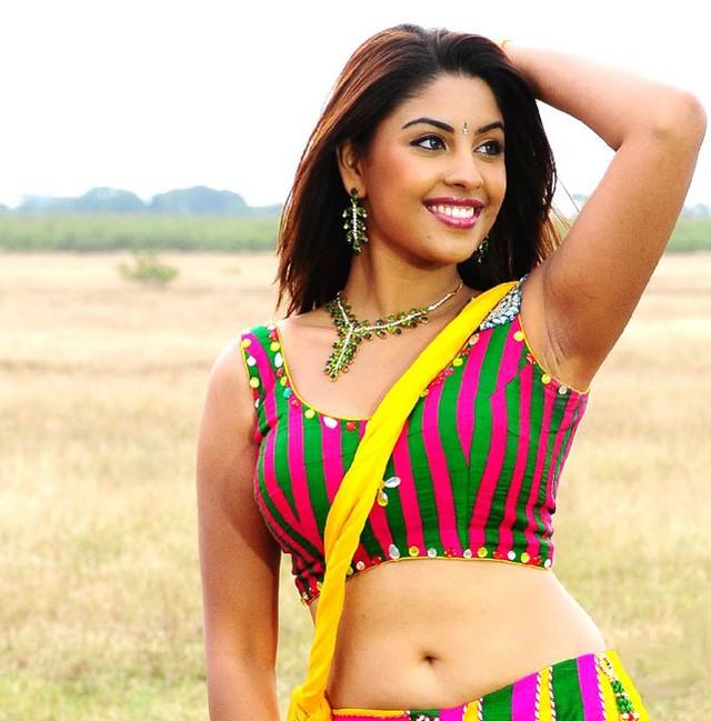 Richa gangopadhyay hot sexy