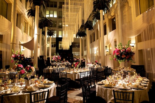 DV Couture Blog : Indoor Wedding Reception Ideas!: blog.dvcouture.com/2013/03/indoor-wedding-reception-ideas.html