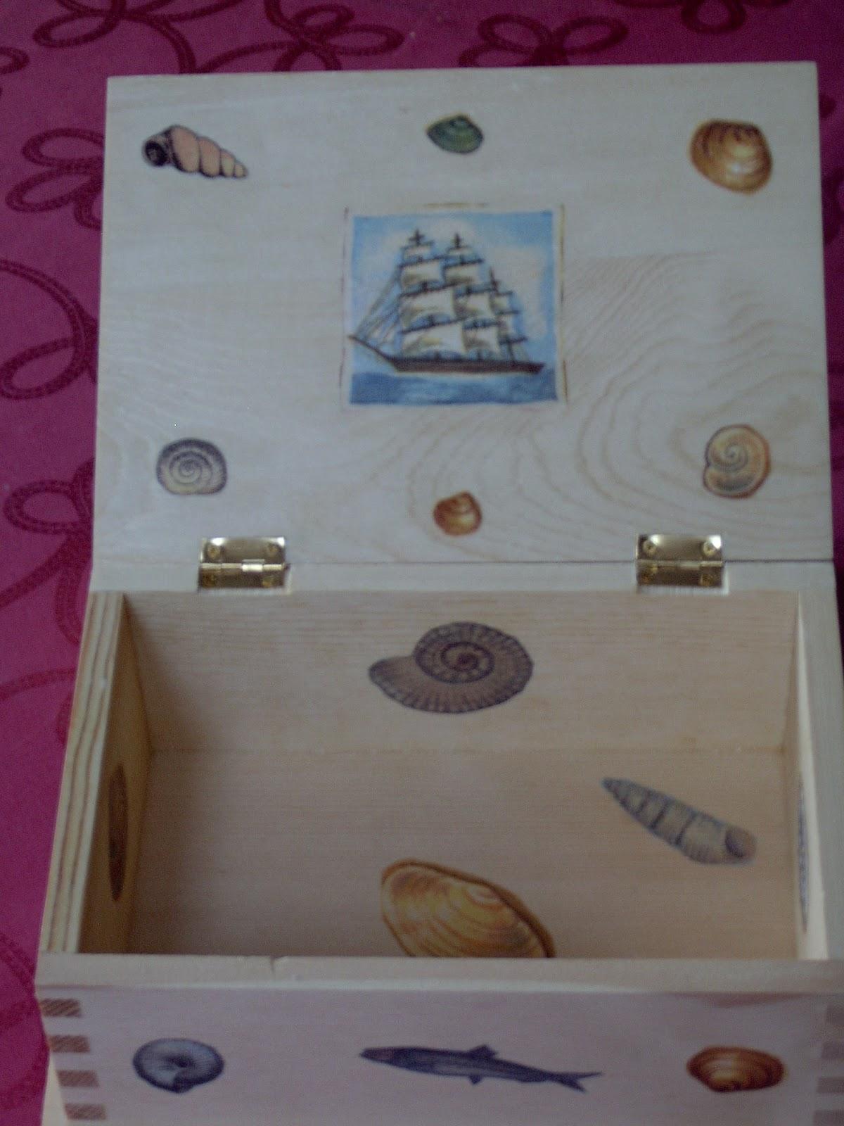 mes petites bricoles my little odds and ends boites en bois serviettage. Black Bedroom Furniture Sets. Home Design Ideas