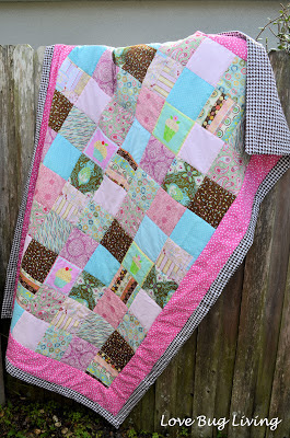http://www.lovebugliving.com/2013/05/simple-block-quilt.html