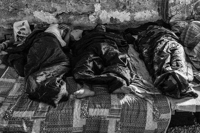 Silos Trieste migranti letti