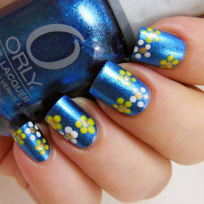 dotted flower nails