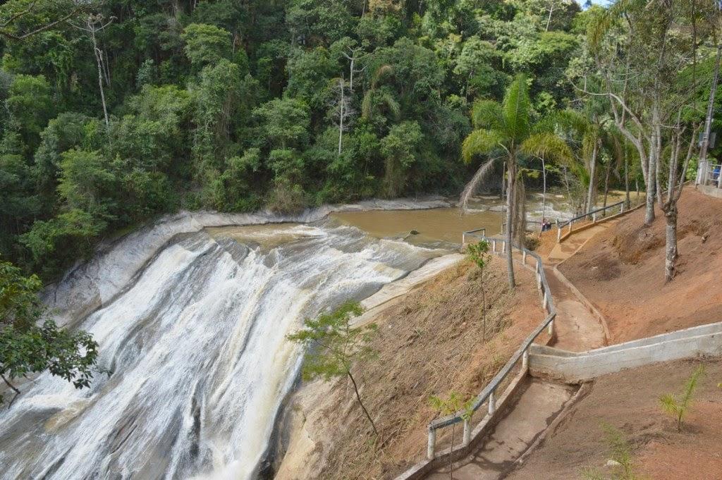Prefeitura de Teresópolis revitaliza ponto turístico da Cascata do Imbuí