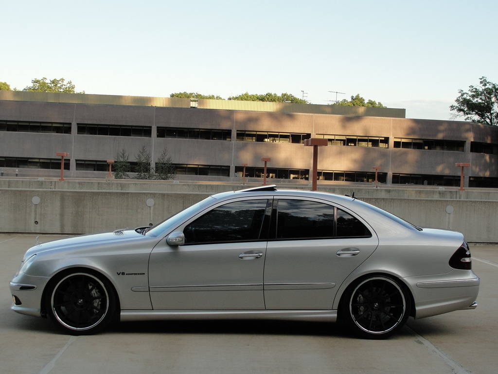 mercedes benz w211 e55 amg on r20 rims benztuning. Black Bedroom Furniture Sets. Home Design Ideas