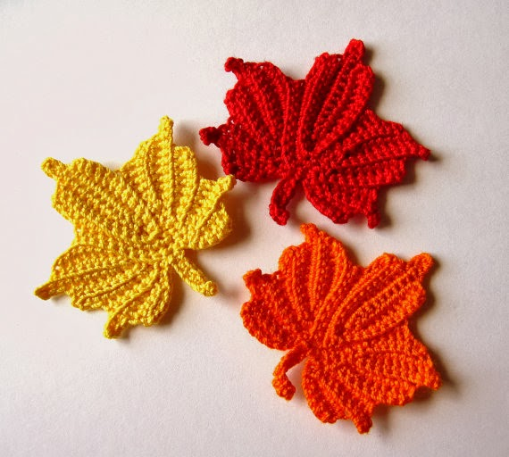 Free Maple Leaf Potholder Crochet Pattern : Paper, Wool & Yarn: Pinspired: Crochet Maple Leaf