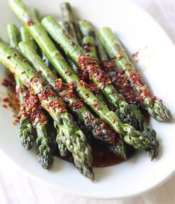 grilled asparagus with spicy korean chili dressing