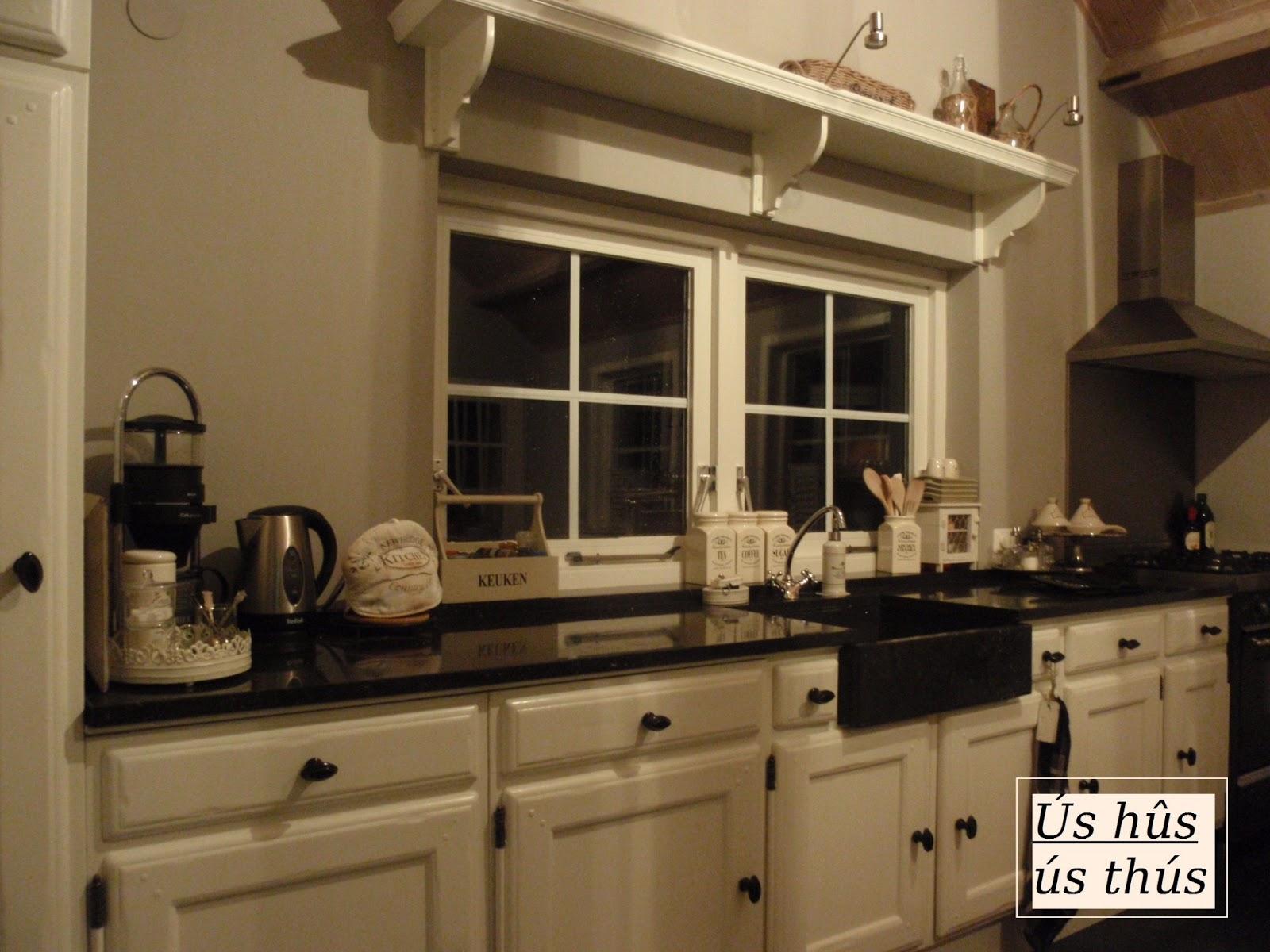 Witte Keuken Kleur Muur : Een kijkje in de keuken...