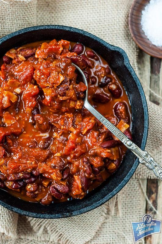 Pikantna fasola w pomidorach