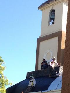 Obreros realizan el sellado de la Nave del Campanario