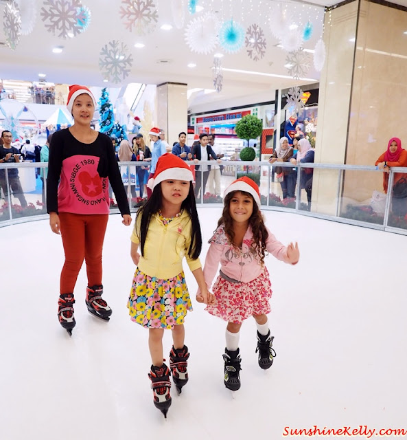 the 1st Synthetic Ice Skating Rink in Bukit Bintang, fahrenheit88, Bukit Bintang, the 1st Synthetic Ice Skating Rink, Fun Christmas, Christmas 2015, Christmas, shopping mall christmas decorations