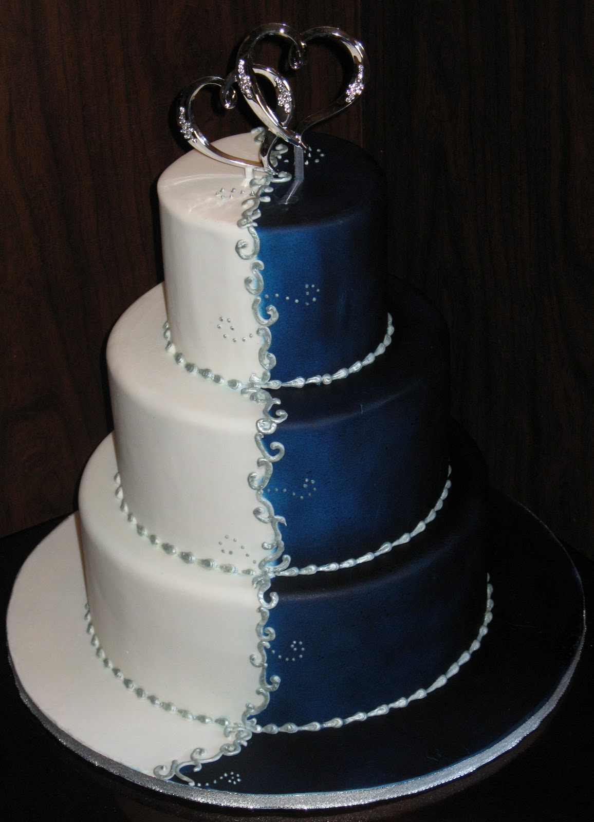 Wedding Addict: Dark Blue Wedding Cake Special Snow Angel
