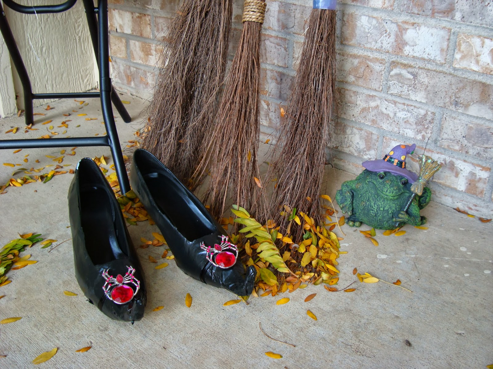 Pinterest Home All: All My Great Ideas Are Really From Pinterest: DIY Witch Shoes