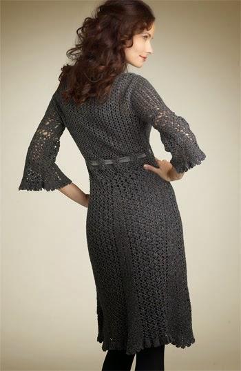 Vestido de dama con bonito diseño al crochet