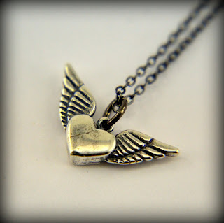 Silver Flying Heart Necklace $30 Gwen Delicious vintage jewelry. $25 giveaway ends 8/6! #clevernest #antique #necklace #findings #accessories #free
