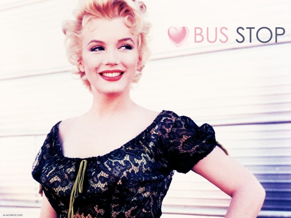 http://4.bp.blogspot.com/-z_H_jUiXLAk/ToRfBOHISFI/AAAAAAAACh4/09Jvt2Eo-Hg/s1600/Marilyn+Monroe+Wallpaper+90.jpg