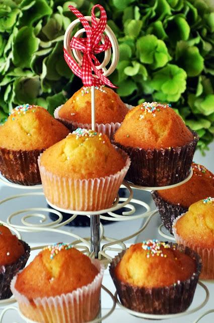 Getränkte Zitronen-Muffins
