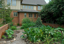 Year-round kitchen garden presentation