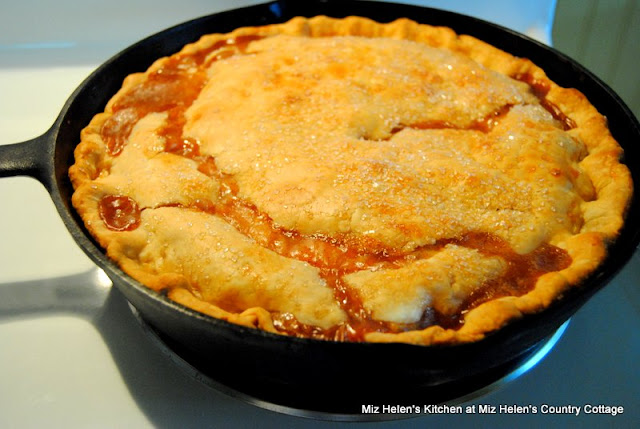 Apple Skillet Pie at Miz Helen's Country Cottage