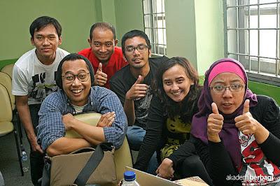 5 Hal Yang Akan Terjadi Jika Bahasa Inggris Jadi Bahasa Resmi Indonesia