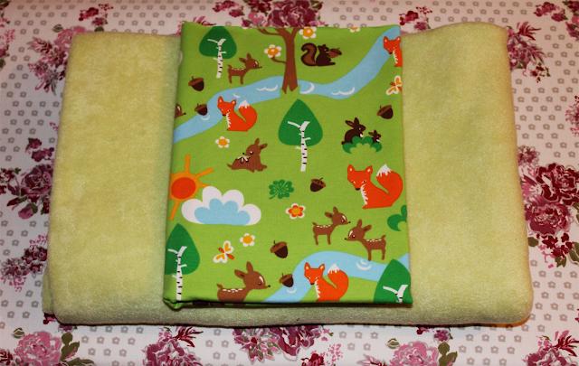 fröhlicher Bio-Jersey und grünes Fleece