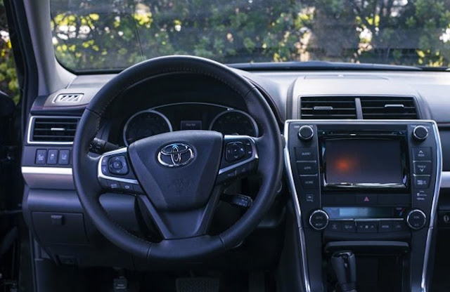 2018 Toyota Camry XSE V6 Review Interior