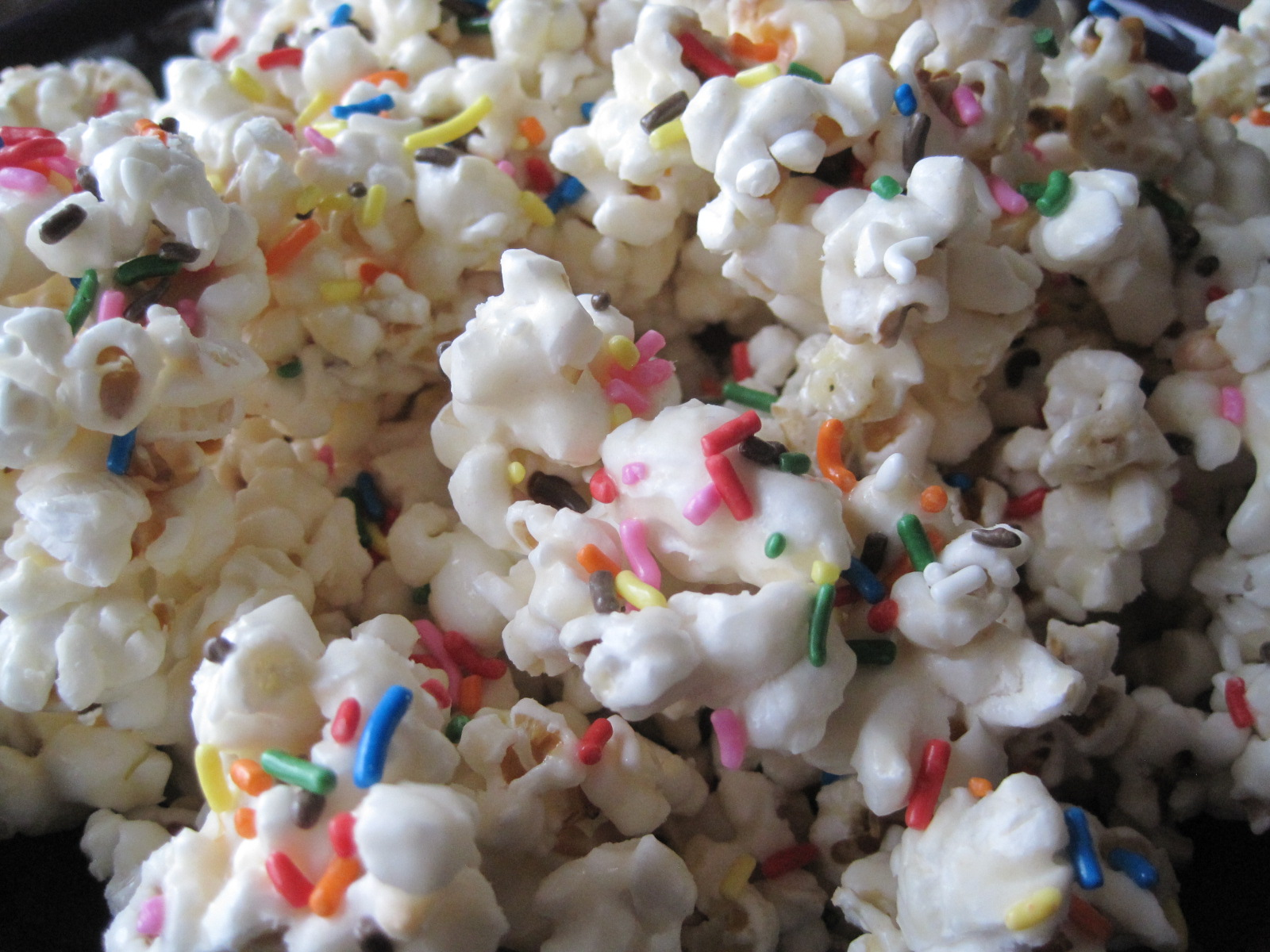 Mrs. Schwartz's Kitchen: Birthday Cake Batter Popcorn