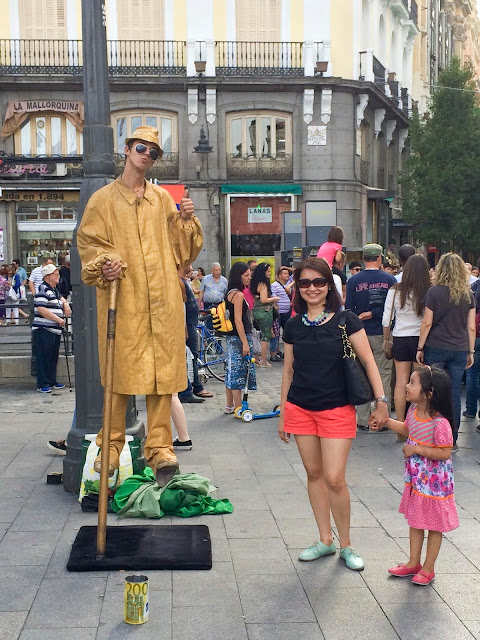 Live Statue | Madrid | Chichi Mary Online Kid's Boutique | Blog