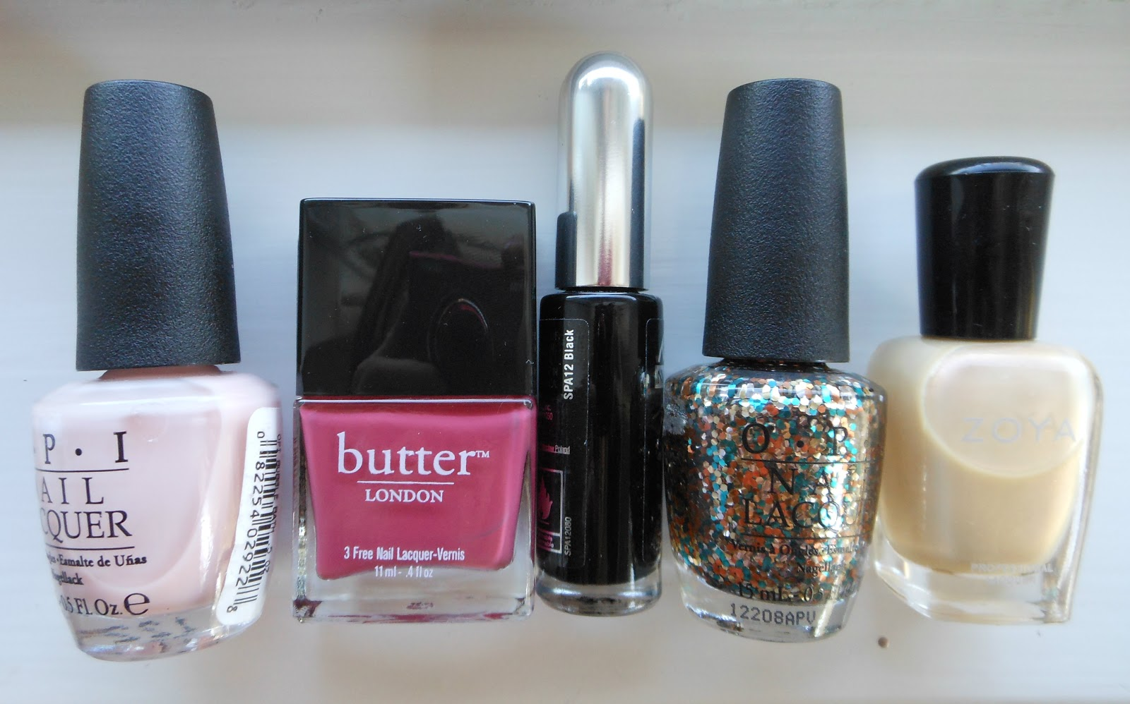 Holy Grail Nails: How-To: Sophisticated Glitter Nail Art