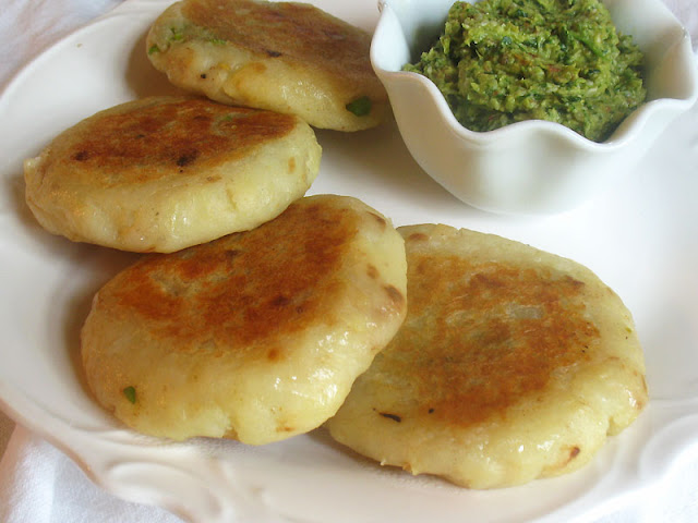 potato patties stuffed with green peas