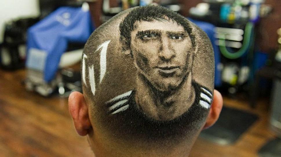 La cara de Messi en un corte de pelo