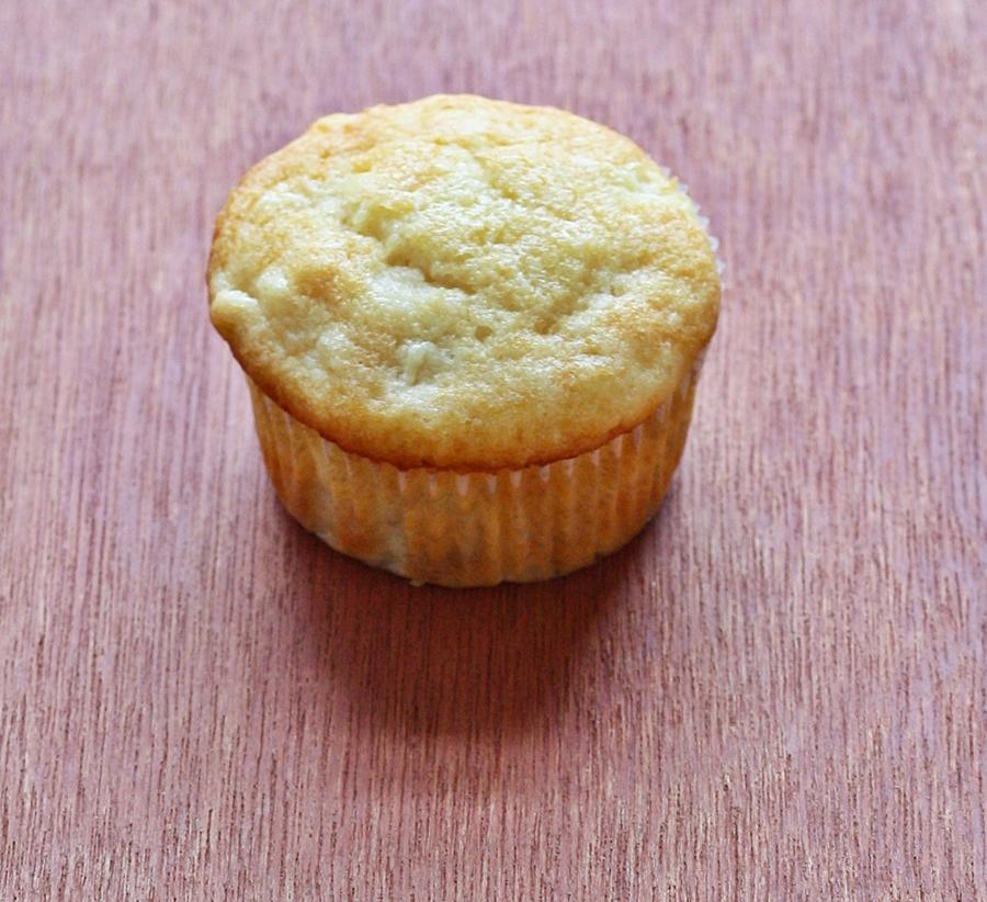 Versatile Vegetarian Kitchen: Pineapple Muffins