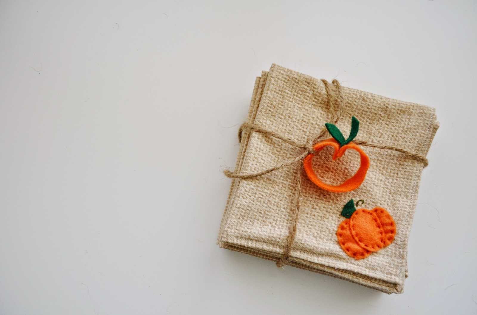 Craft Idea for DIY Burlap Napkins --  Thanksgiving or Halloween