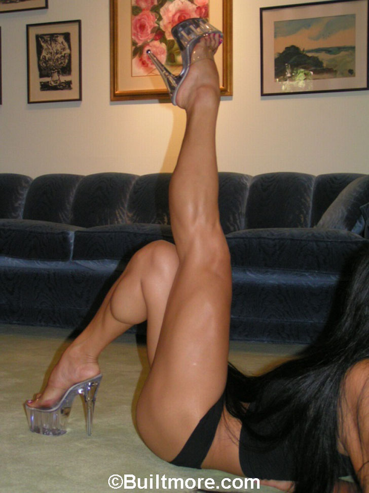 Cookie Modeling Her Muscular Calves In Heels