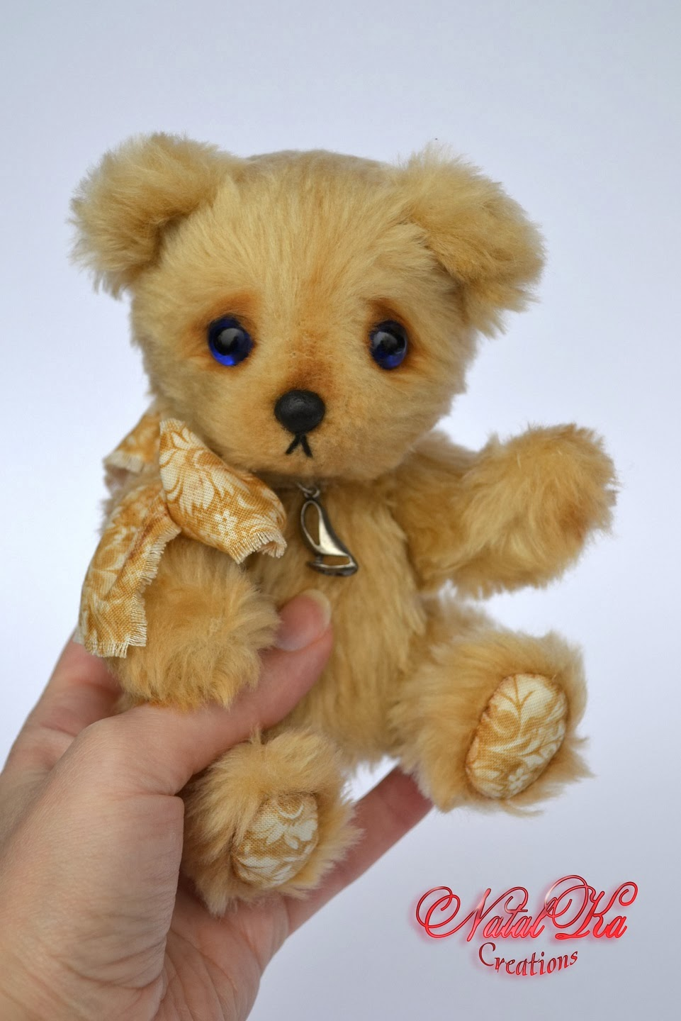 Artist teddy bear handmade by Natalka Creations