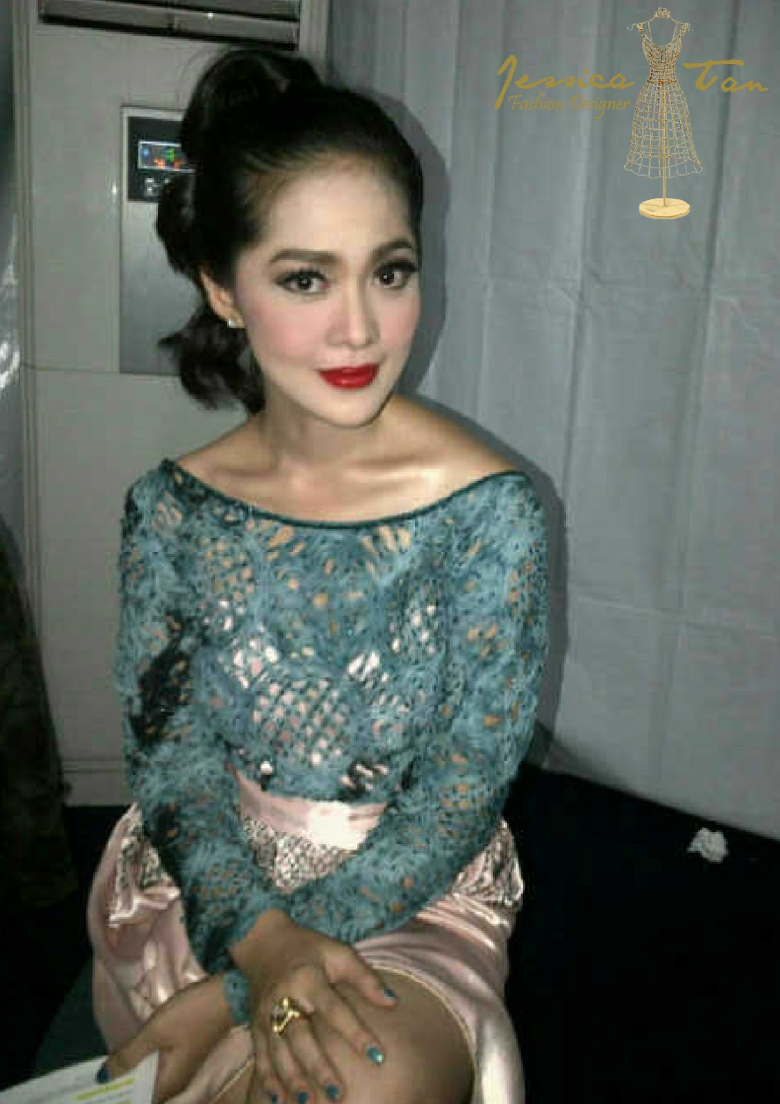 Labels: wardrobe for METRO TV ( FOR.BIS )  ANTV ( KLIK AWARDS