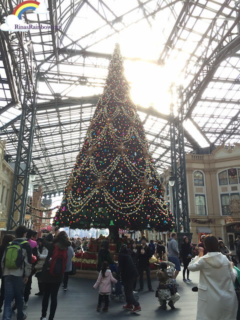 Tokyo Disneyland Christmas