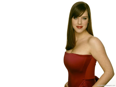 Actress Michelle Ryan Wallpaper-1600x1200