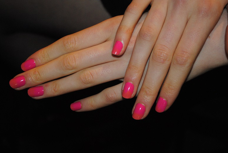 max-factor-glossfinity-ombre-nails