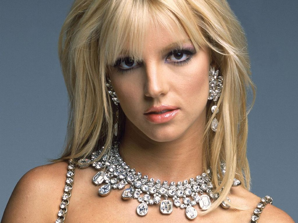 http://4.bp.blogspot.com/-zaqE9tZahJM/TzycvvOTAaI/AAAAAAAAHeI/B-7FML8eVSk/s1600/celebrity%2B4.jpg