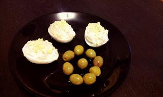 Huevos rellenos con aceitunas