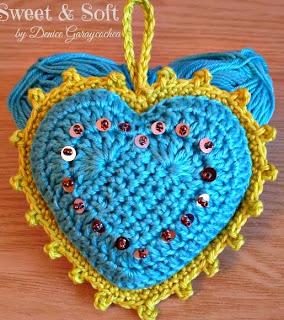 http://dghlamagiadelcrochet.blogspot.com.es/2014/02/corazones-rellenos.html