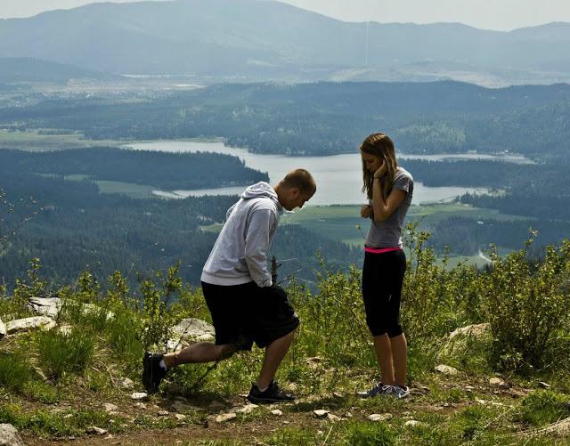 Trilha com namorada vira pedido de casamento
