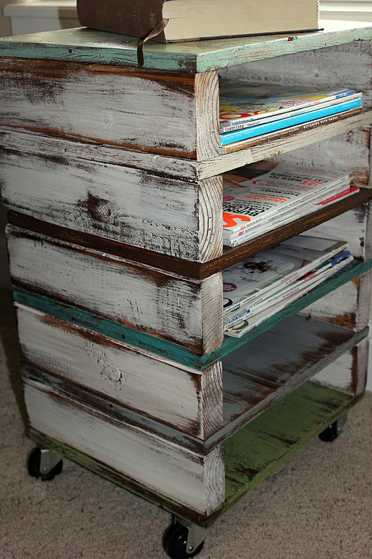 rolling cart storage scrap reclaimed wood http://bec4-beyondthepicketfence.blogspot.com/2012/01/rolling-along.html