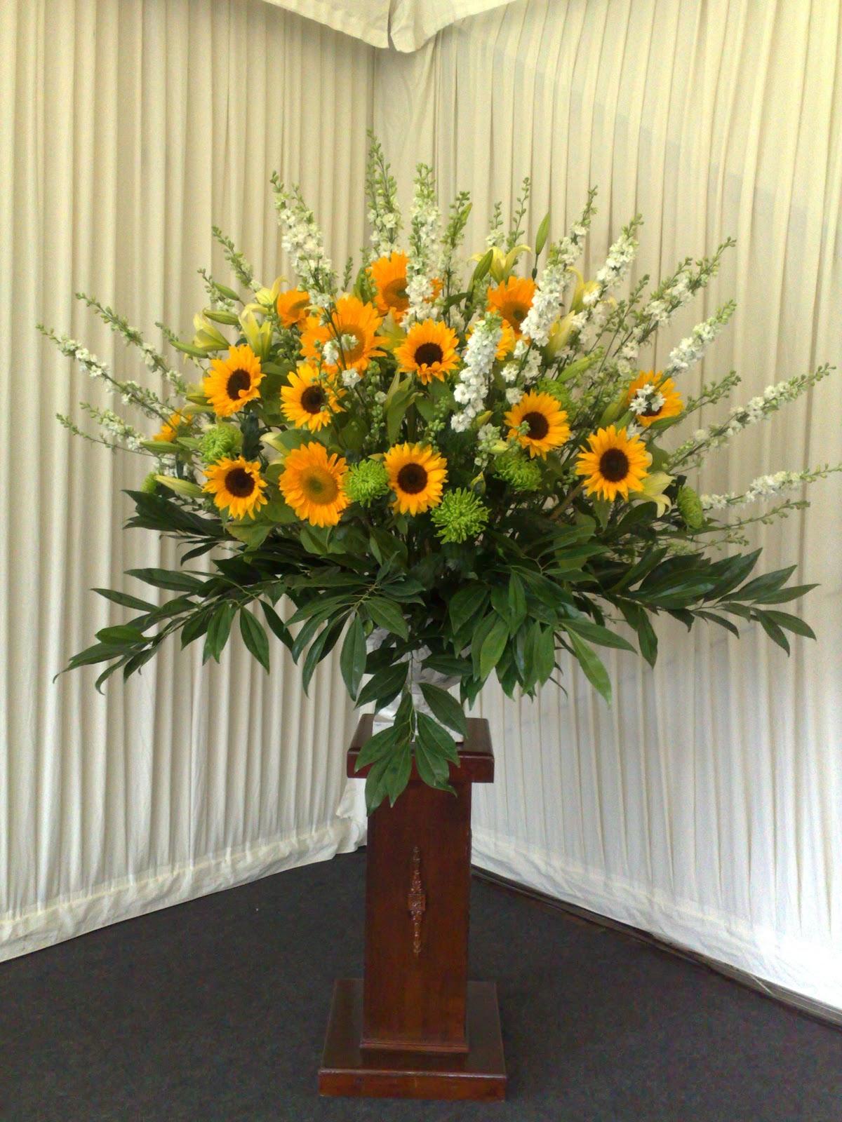 Tollys Flowers Ideas For Autumn Wedding Flowers Cambridge