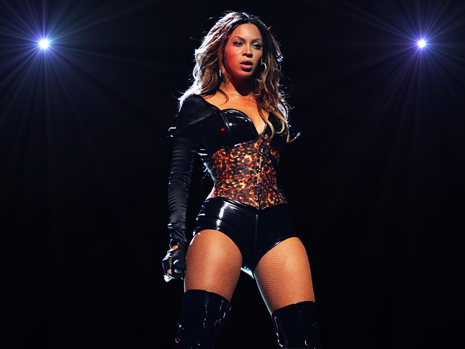 http://4.bp.blogspot.com/-zcXgsM6TBN4/T8GjX4URGnI/AAAAAAAAAho/kLZjJcRH0Qk/s1600/Beyonce_01wp-lg.jpg