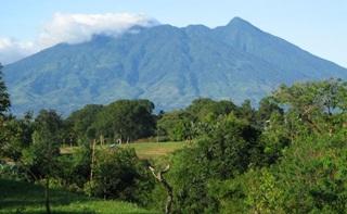 Kisah Misteri 7 Gunung Angker Di Indonesia