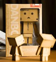 Tau boneka Danbo? Itu tuh boneka asal jepun yang terbuat dari kertas ...