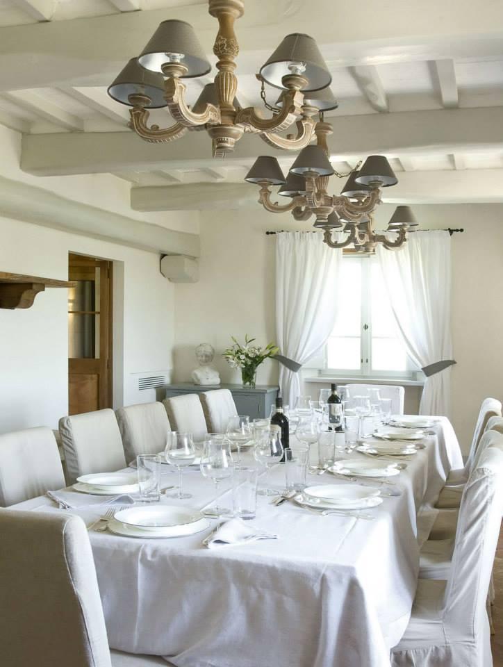 Rustico chic shabby chic interiors - Arredamento ville e casali ...
